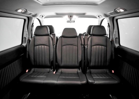 8 Seater Mercedes Benz Viano Van Is Manufactured With The To Move People E And Comfort Two Of Its Best In Cl Features