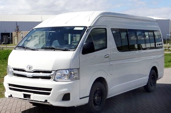 8 Seater Toyota Hiace Van hire Delhi, Toyota Minivan ...