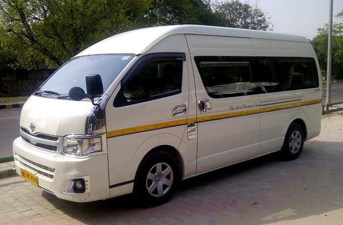 6d0932ad7d 9 Seater Toyota Hiace Rent Delhi