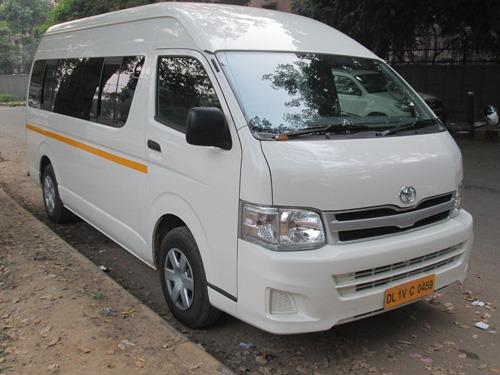 Rent A Minivan >> 9 Seater Toyota Hiace Rent Delhi, Toyota Van Hire India ...