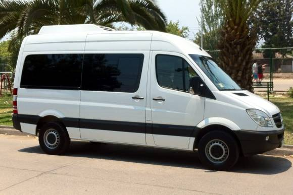 Mercedes sprinter van hire delhi luxury mercedes van for Mercedes benz luxury van